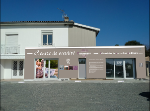 Photo de la vitrine du centre de Créon
